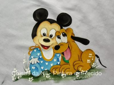 mickey baby e pluto em pintura de manta de bebe