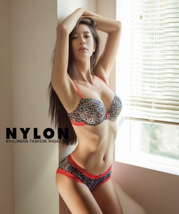 Foto Seksi Clara Memakai Bikini