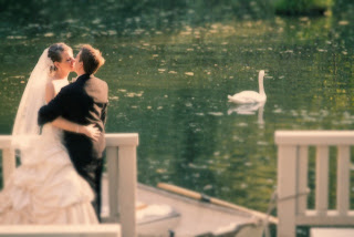 Kiss and swan - Sanders Estate Dock