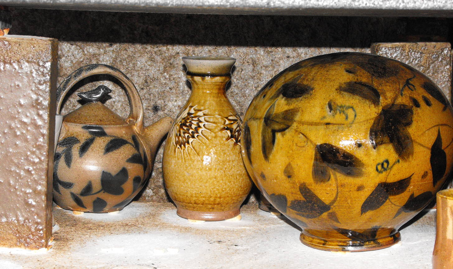 wood kiln results showing spherical pots alex Matisse and teapot