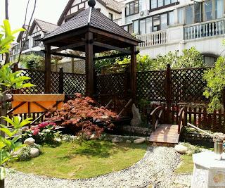 Modern Beautiful Home Gardens Designs Ideas