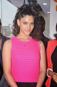 Rey Heroine Saiyami Kher Photos in Pink Top-thumbnail-3