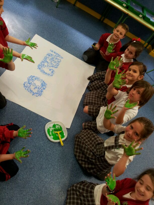 Preschool bilingual project happy earth day for Mural go green