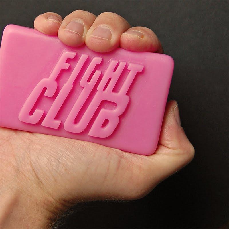 http://4.bp.blogspot.com/-5gF6NvZYZzA/TWRcM60atoI/AAAAAAAADwE/lln3CokyPg8/s1600/FightClub-sq.jpg