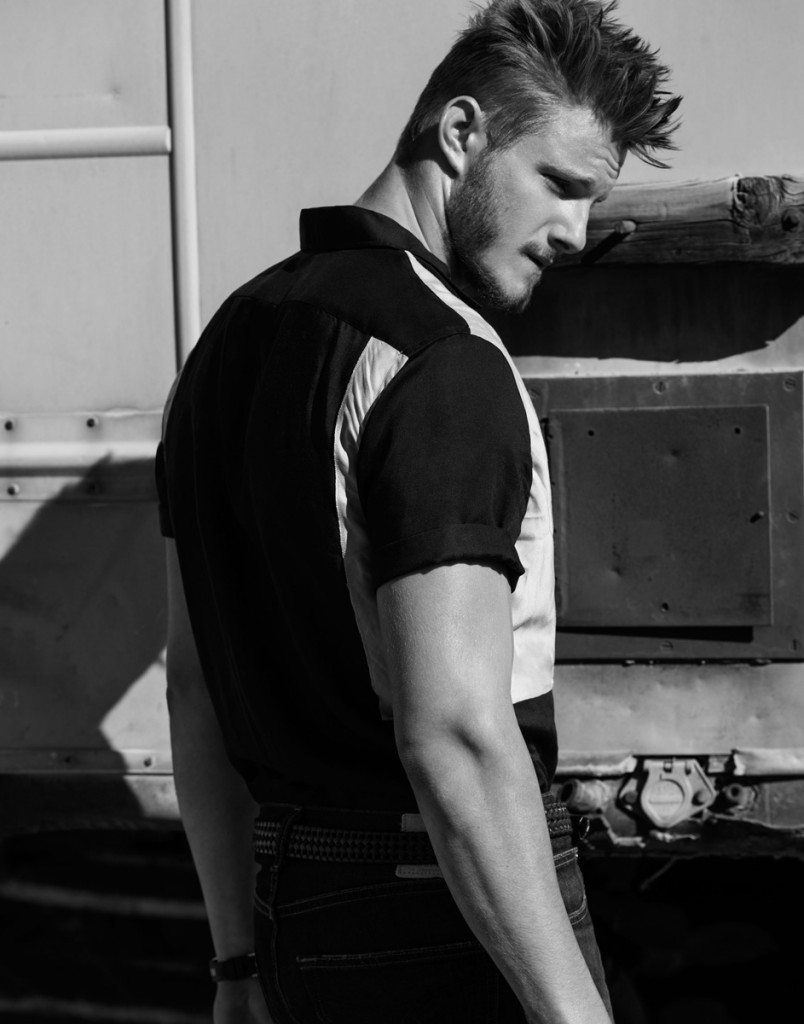 naked Alexander Ludwing Alexander Ludwig by Justin Campbell | Flaunt