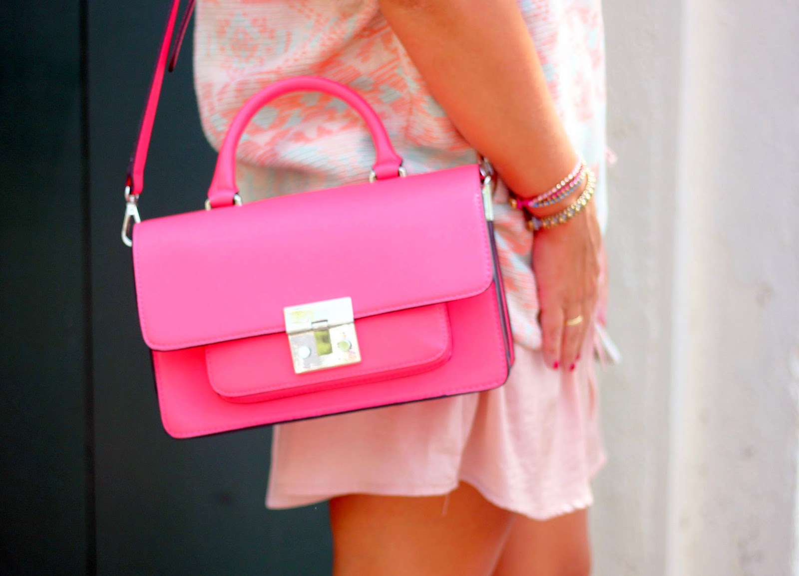 photo-bolso-coral-zara