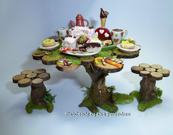 Mesa en miniatura con fiesta en el bosque - Miniature Forest party table