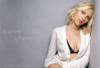 scarlett johansson hot by macemewallpaper.blogspot.com