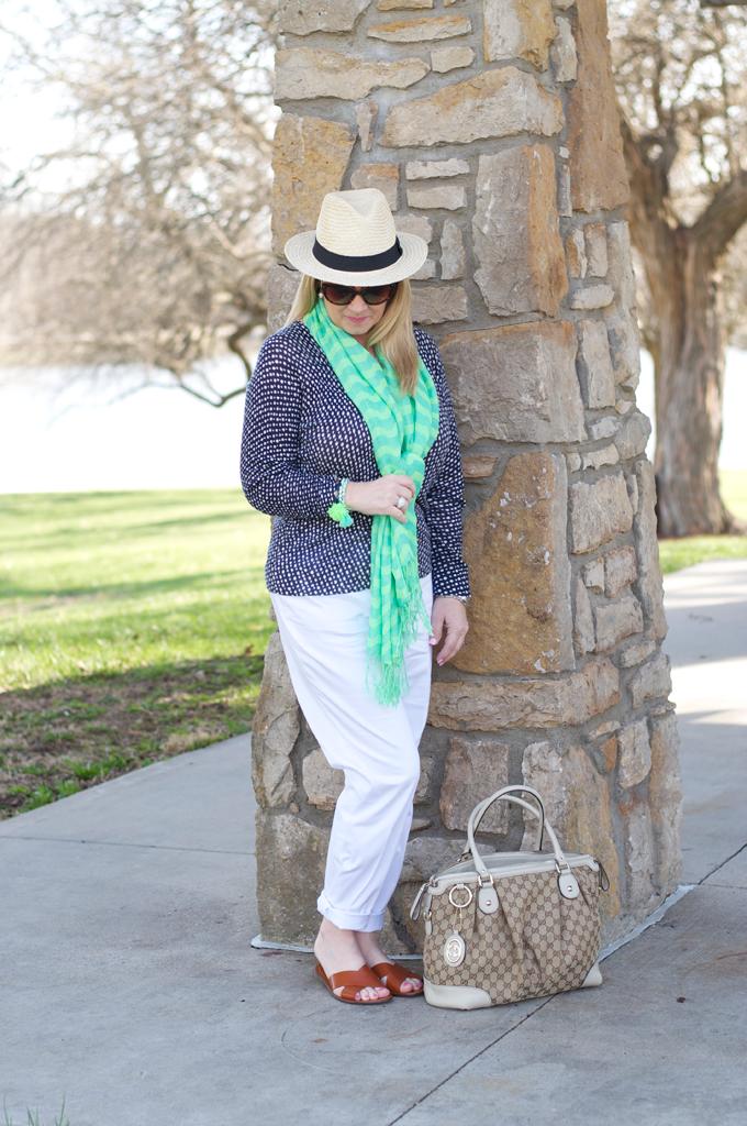 spring-white-pants