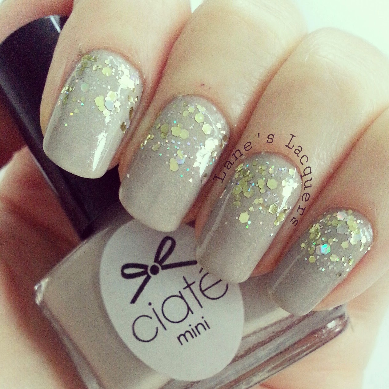 ciate-sharp-tailoring-gold-glitter-gradient-nail-art (2)
