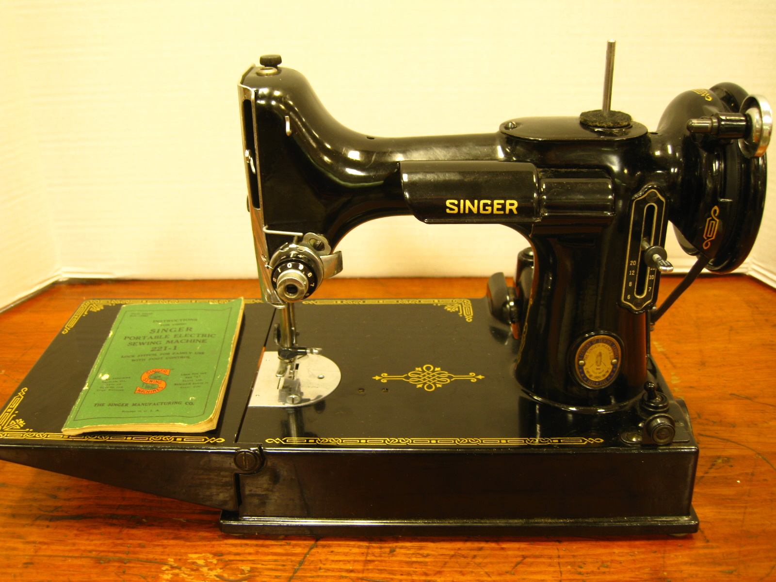 Antique sewing machines sciox Choice Image
