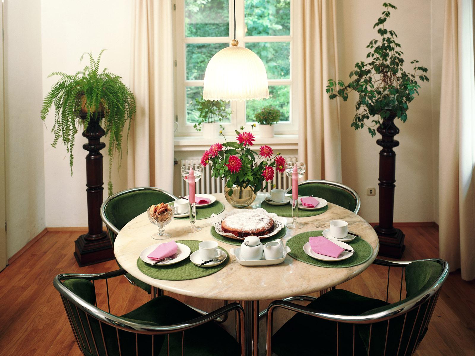 Feng Shui Nella Sala Da Pranzo I Tavoli Da Pranzo #754027 1600 1200 Sala Da Pranzo Fai Da Te