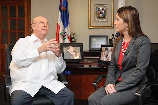 Hipólito ratifica a Leila Mejía que cumplirá con el 4%