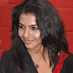 Kadhal Saranya  Cute Photos