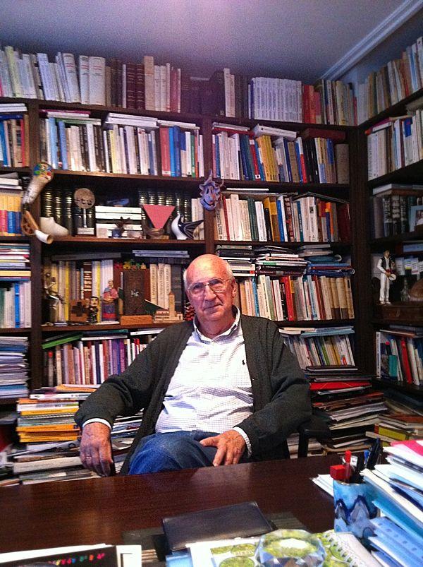 Jose angel Cuerda en su despacho durante la entrevista