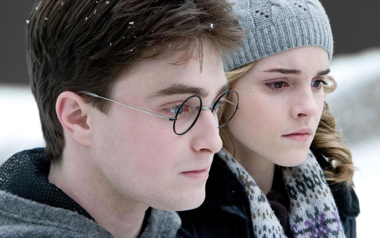 http://4.bp.blogspot.com/-5hZCnef9lhg/T9wKSqg8HII/AAAAAAAACAs/rgrMxIa_38E/s1600/emma-watson-in-harry-potter-and-the-half-blood-prince.jpg