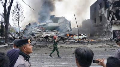 Pesawat Hercules Jatuh di Pemukiman Warga Kota Medan