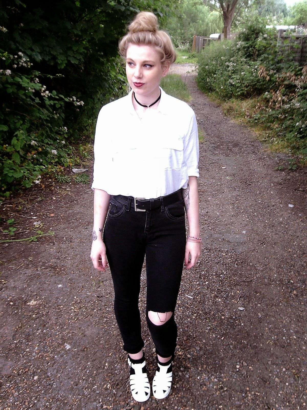 white shirt, white blouse, grunge, 90's grunge, 90's, 90' fashion, choker, chunky sandals