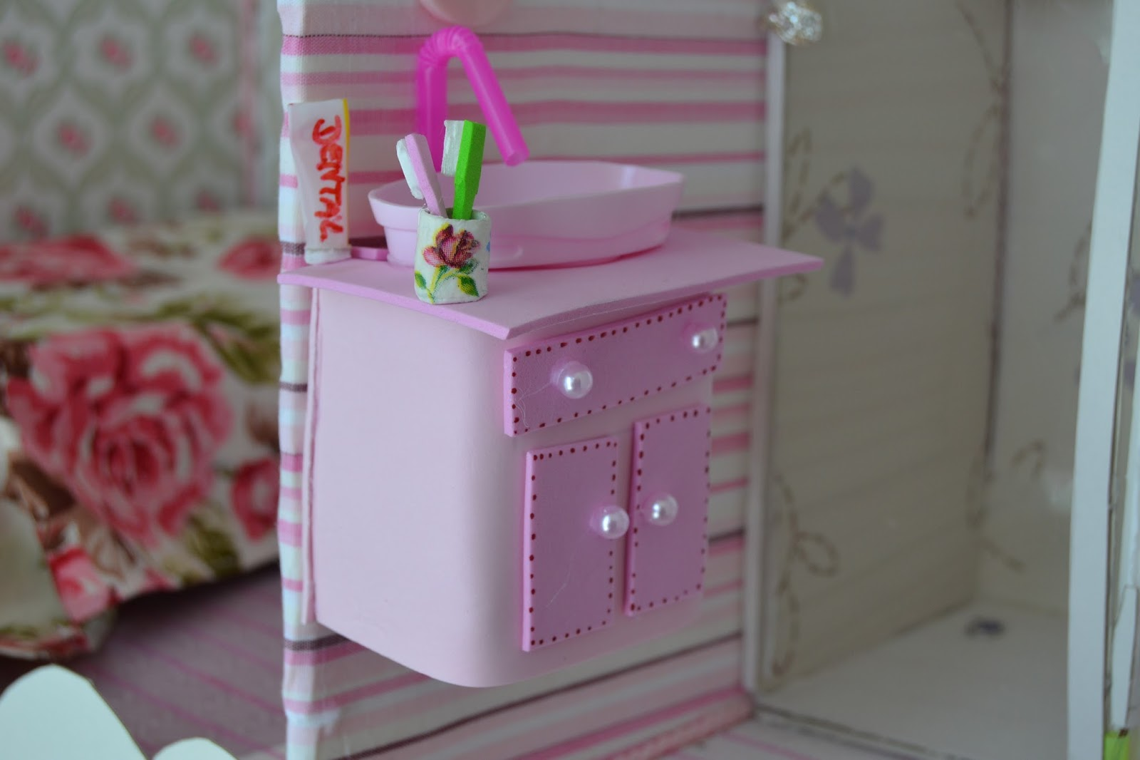 Como fazer um lavatorio pia para o banheiro da Barbie #9D2E84 1600x1066 Banheiro Da Barbie Para Comprar