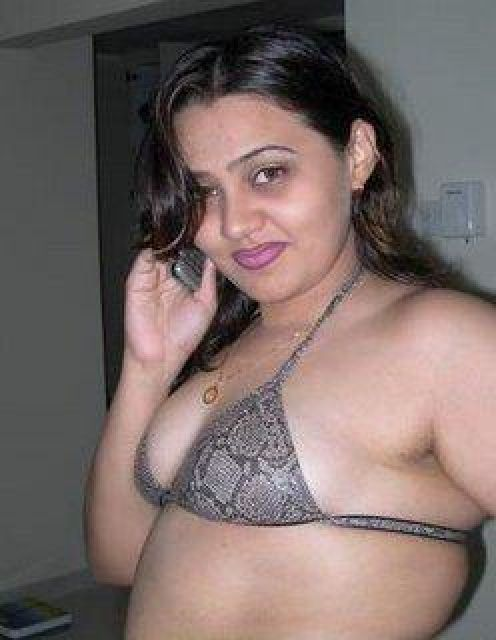 Hot Bhabhi From India| Desi Bhabhi Pics