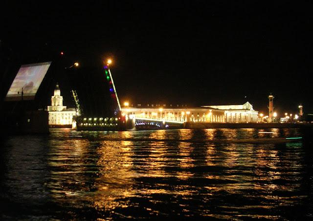 Граффест, Дворцовый мост, Стрелка Васильевского острова, развод мостов, Санкт-Петербург