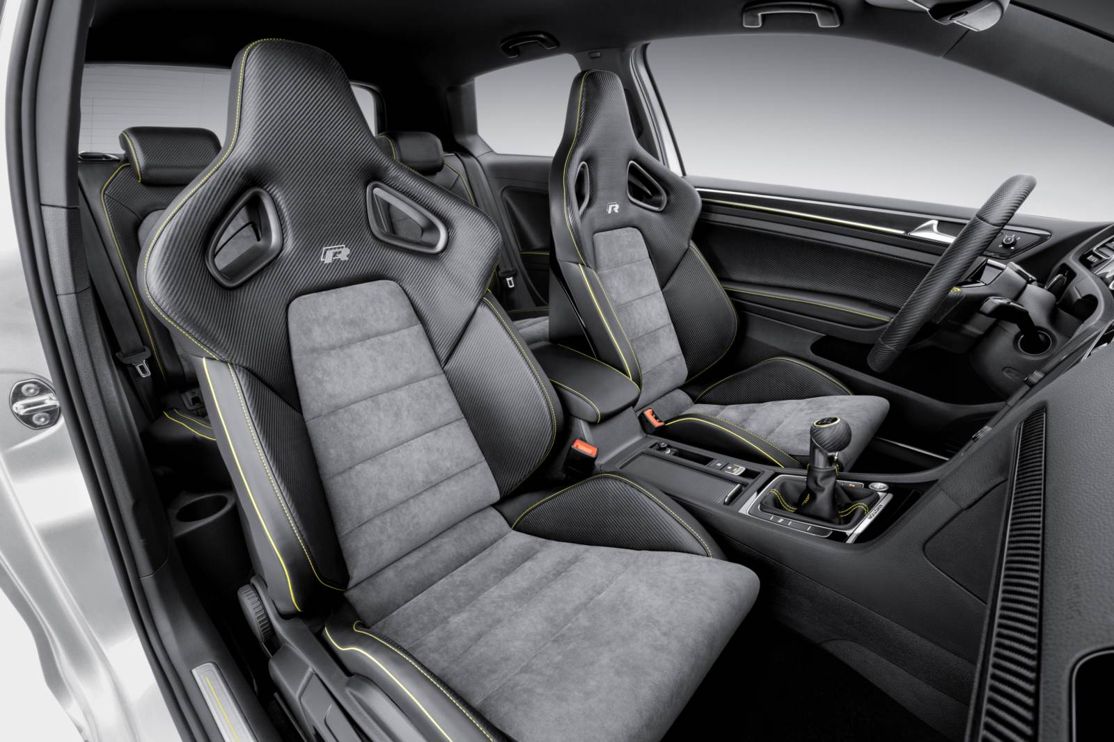 Volkswagen Golf R420 - interior
