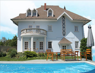 Traumhaus mit pool  Traumhäuser & Luxus-Immobilien: Schönes Traumhaus mit Pool