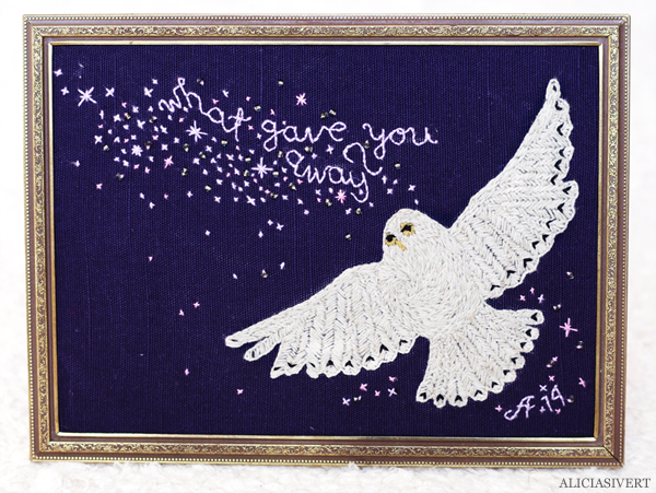 aliciasivert, alicia sivert, alicia sivertsson, embroidery, needlework, stitch, stitching, hedwig, harry potter, what gave you away?, owl, sky, stars, beads, uggla, himmel, stjärnor, pärlor, broderi, hantverk, handicraft, craft, remake, upcycle, begagnat garn, yarn, harry potter och dödsrelikerna, and the deathly hallows, monthly makers maj magi magic