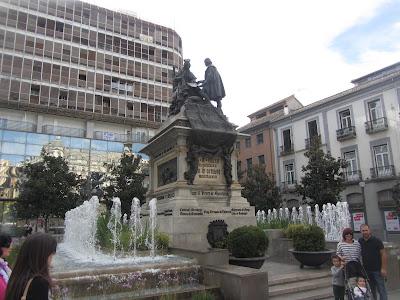 Plaza de Isabel La Católica, Granada