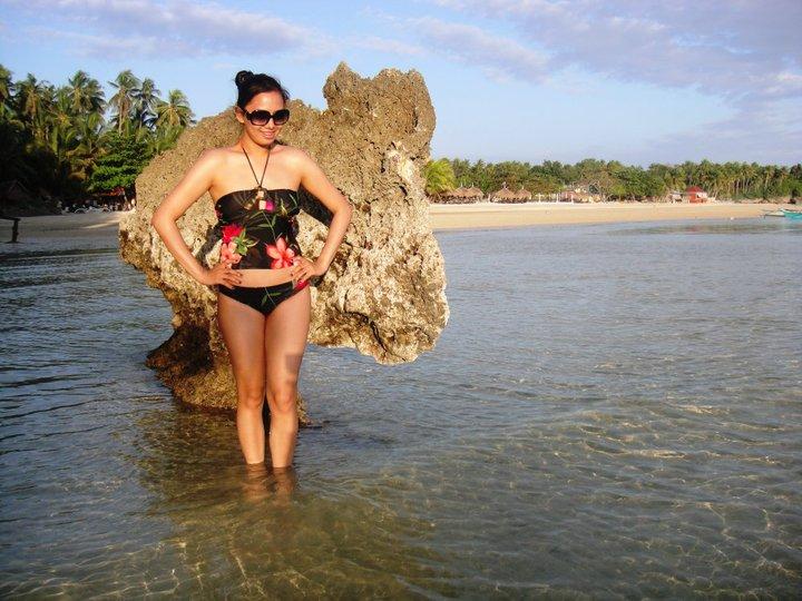 sexy asian beach bikini 01