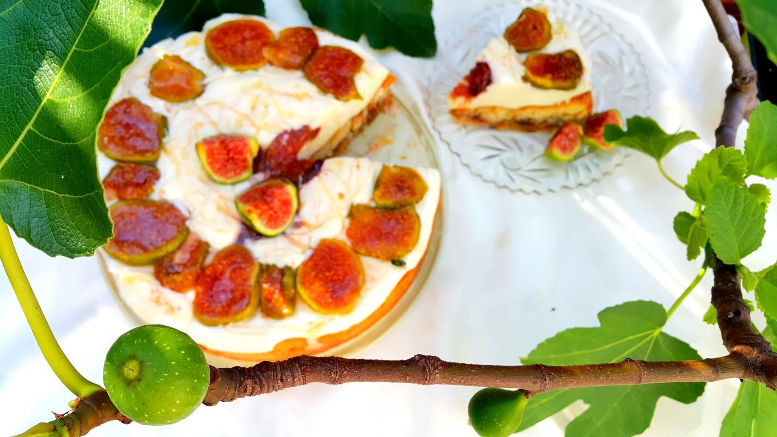 Greckie Ciasto z Figami i Jogurtowym Kremem