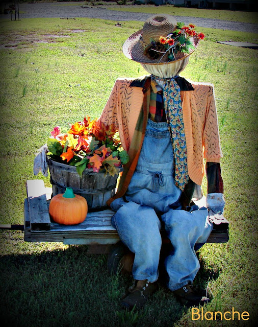 how to make a sitting scarecrow