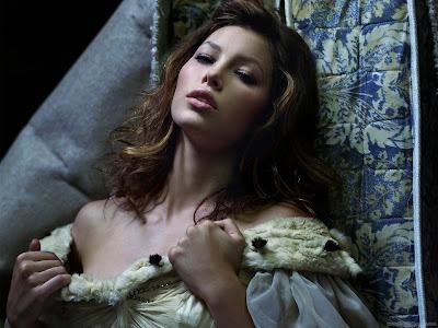 Hollywood Actress Wallpaper-Jessica Biel-906-1600x1200
