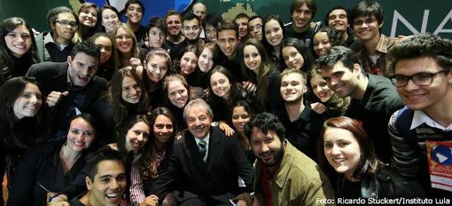 Conferência Nacional 2003-2013 Uma nova Política Externa - Lula