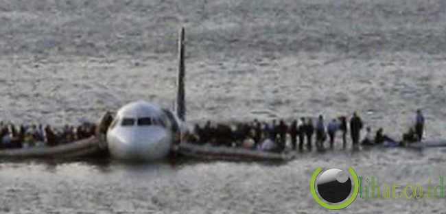 Chesley B. Sullenberger – Seorang Pilot Membawa Para Penumpang Selamat Dari Bencana
