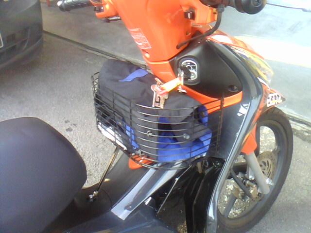 Suzuki Axelo Vs Honda Future