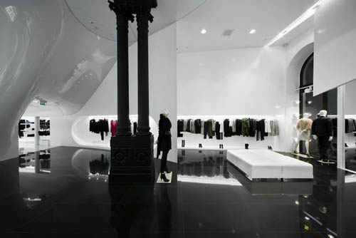 Capsula the Elegant Fashion Store Design Retail