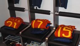 Partido oficial de la Selección Española de Fútbol contra el Atlético de Madrid, clasificación para el Mundial de Estados Unidos