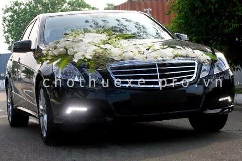 Cho thuê xe cưới hạng sang Mercedes E200 1