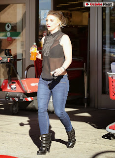 Britney Spears Pictures in Jeans Out and About in Calabasas ~ Celebs Next