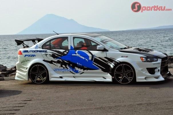 Modifikasi Mobil Sedan Mitsubishi Lancer New