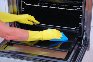Bicarbonate of soda for cleaning oven, baking soda to clean oven, clean oven with baking soda, how to clean the oven with Bicarbonate of soda