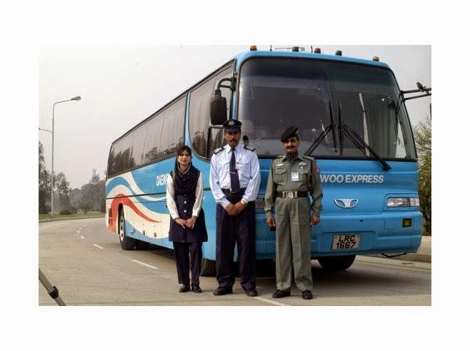 Mera Apna La: Daewoo Bus, La
