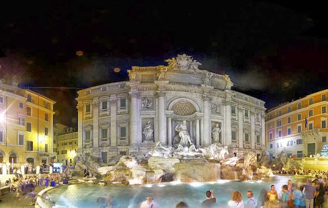 نافورة تريفي في روما