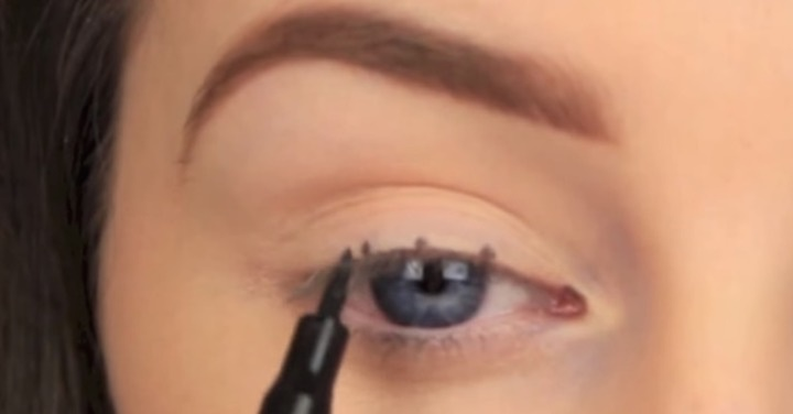 Get Perfect Winged Eyeliner Every Single Time With This Grade-School Hack