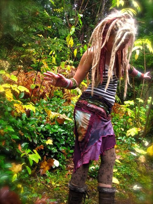 dancing rastafari girl