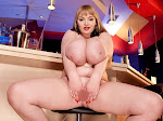Micky Bells_Beauty At The Bar_m