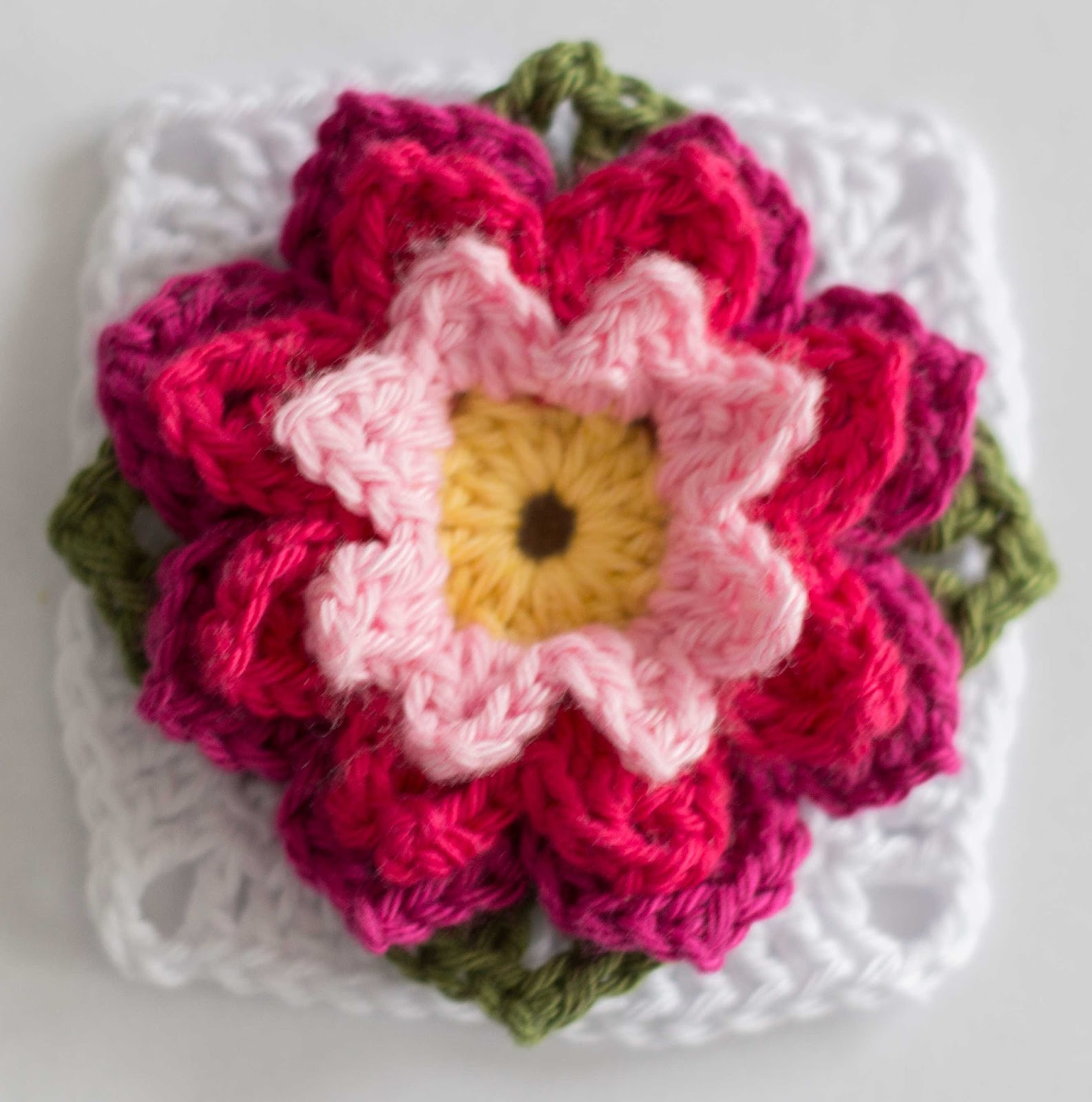 croched flower granny square