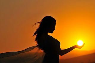 mulher_e_sol.jpg (400×266)