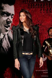 Salman Khan And Daisy Shah Promoting Jai Ho Movie (6).JPG